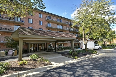 Willowbrook Condo/Townhouse Price Change: 6443 Clarendon Hills Road #109