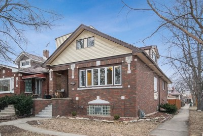Elmwood Park Single Family Home For Sale: 7830 West Westwood Drive