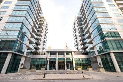 Condo/Townhouse For Sale: 125 South Green Street #702A