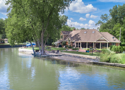 Crystal Lake Single Family Home For Sale: 4444 Riverside Drive