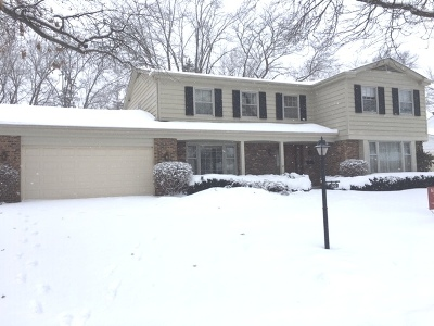 Deerfield Single Family Home For Sale: 520 Standish Drive