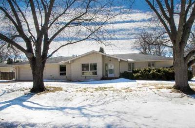 Rockford Single Family Home For Sale: 4419 Eaton Drive