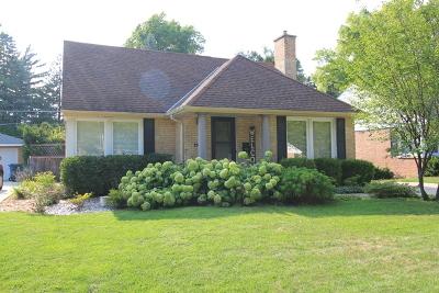 Mount Prospect Single Family Home For Sale: 704 South Elmhurst Road