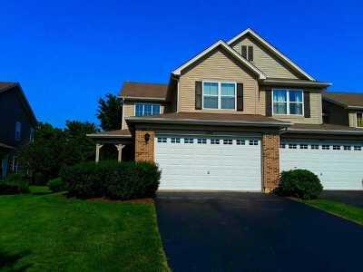 Oswego Condo/Townhouse For Sale: 488 Majestic Lane #1