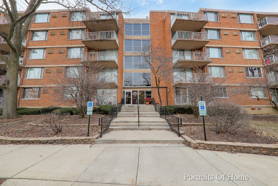 Lombard Condo/Townhouse For Sale: 2222 South Stewart Avenue #1G