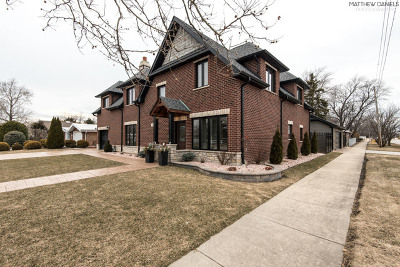 Hickory Hills Single Family Home For Sale: 7800 West 98th Street