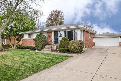 Arlington Heights Single Family Home New: 8 South Reuter Drive