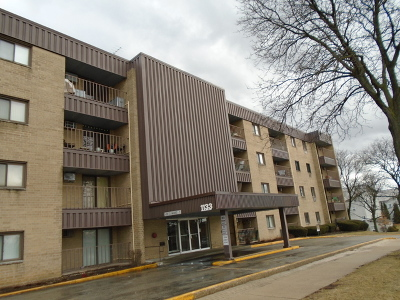 Lombard Condo/Townhouse Re-Activated: 1133 South Finley Road #407