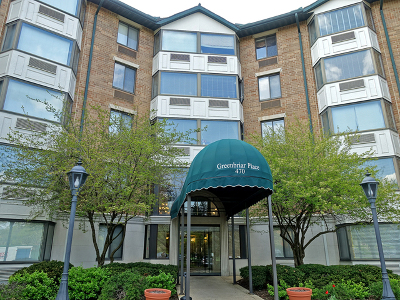 Du Page County Condo/Townhouse New: 470 Fawell Boulevard #101
