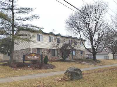 Woodridge Condo/Townhouse For Sale: 8300 Oak Leaf Drive #801