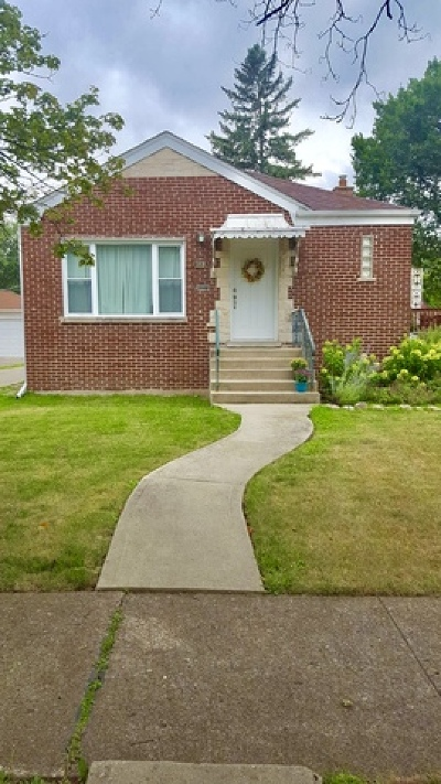 Elmwood Park Single Family Home For Sale: 1816 North 73rd Court