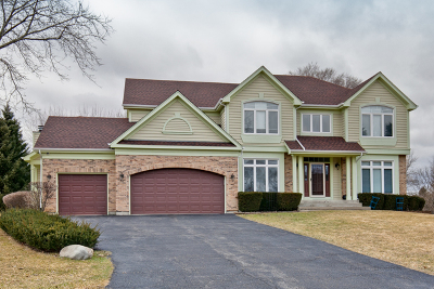 Mundelein Single Family Home For Sale: 25796 North Arrowhead Drive