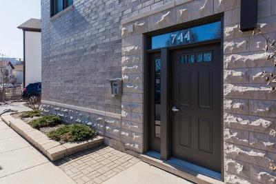 Chicago Condo/Townhouse New: 744 North Willard Court #202