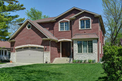 Skokie Single Family Home For Sale: 9643 Karlov Avenue