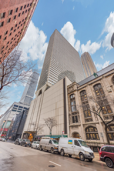 Condo/Townhouse New: 111 East Chestnut Street #28K
