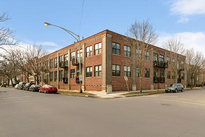 Condo/Townhouse For Sale: 612 North Oakley Boulevard #102