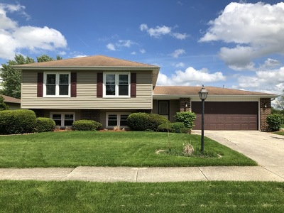 Hobson Creek Single Family Home Price Change: 7s607 Lynn Drive