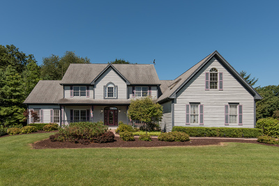 Prairie Grove Single Family Home For Sale: 3703 Sutton Woods Drive