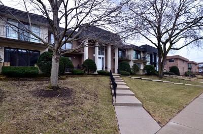 Oak Lawn Condo/Townhouse For Sale: 10405 South Komensky Avenue #2