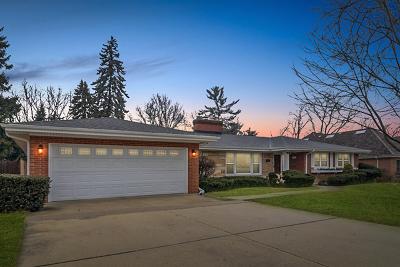 Glen Ellyn Single Family Home For Sale: 172 Cranston Court