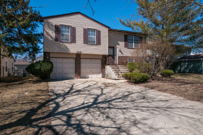 Bolingbrook Single Family Home Re-Activated: 125 Glen Lake Drive