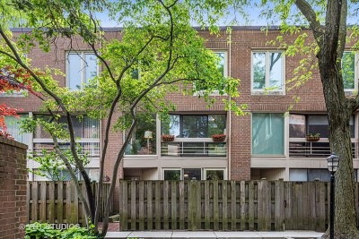 Condo/Townhouse Contingent: 1838 North Dayton Street #A