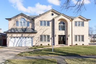 Morton Grove Single Family Home For Sale: 9237 Cameron Lane
