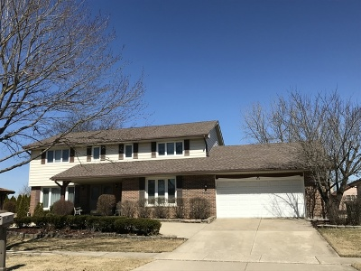 Willowbrook Single Family Home For Sale: 206 Chaucer Court