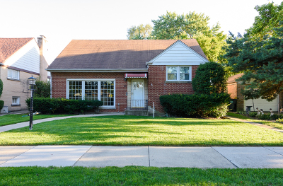 Lincolnwood Single Family Home For Sale: 3819 West Jarlath Street