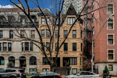 Condo/Townhouse For Sale: 80 East Elm Street #2