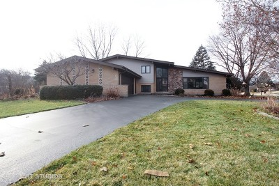 Palos Heights, Palos Hills Single Family Home Contingent: 12932 South Comanche Drive