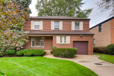Lincolnwood Single Family Home For Sale: 6548 North Christiana Avenue