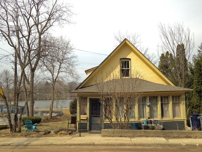 Elgin Single Family Home Contingent: 646 Wellington Avenue