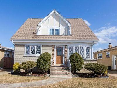 Norridge Single Family Home For Sale: 4837 North Ozark Avenue