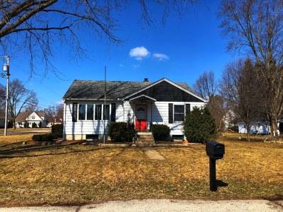 Marengo Single Family Home For Sale: 402 1st Avenue