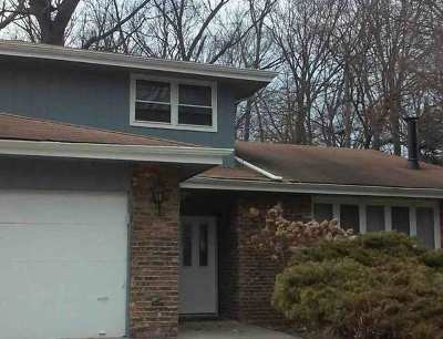 Palos Heights, Palos Hills Single Family Home For Sale: 9936 South 82nd Court