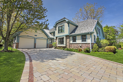 Lake Forest Single Family Home For Sale: 632 Academy Woods Drive