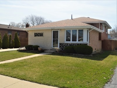 Oak Lawn Single Family Home For Sale: 5827 West 89th Street