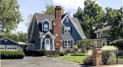 Westmont Single Family Home For Sale: 223 South Cass Avenue