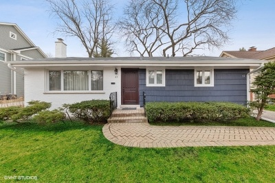 Clarendon Hills Single Family Home For Sale: 57 Harris Avenue