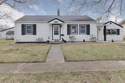 Single Family Home For Sale: 206 South Oak Street