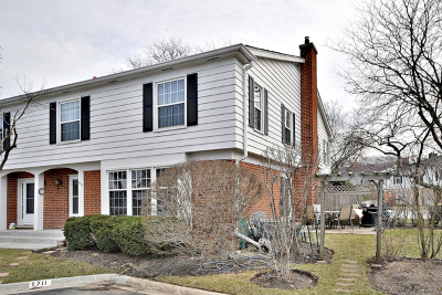 Northfield Condo/Townhouse Price Change: 1711 Colonial Lane
