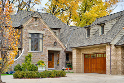 Willowbrook Single Family Home For Sale: 516 Ridgemoor Drive