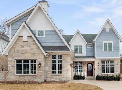 Clarendon Hills Single Family Home For Sale: 32 Tuttle Avenue