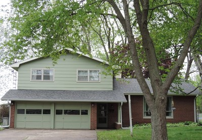 Dekalb Single Family Home For Sale: 724 West Hillcrest Drive