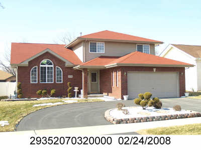 Lansing Single Family Home For Sale: 18136 Donatus Drive