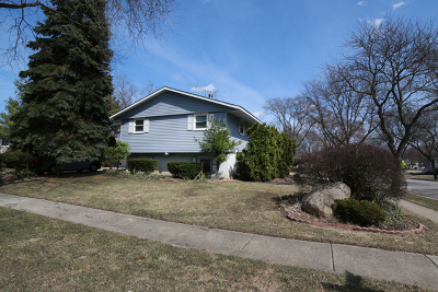 Buffalo Grove Single Family Home Re-Activated: 2 Greenwood Court North