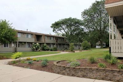 Oak Forest, Orland Hills, Orland Park, Palos Heights, Palos Hills, Palos Park, Tinley Park Rental For Rent: 15938 Leclaire Avenue #101
