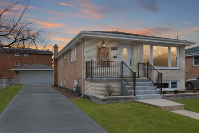 Oak Lawn Single Family Home Contingent: 6325 W 99th Street