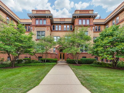 Chicago Condo/Townhouse For Sale: 2230 North Lincoln Park West #3H